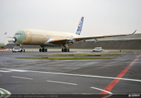 A350_XWB_Roll_out_MSN1Feb_2013