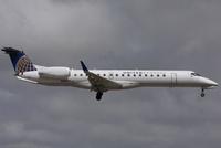 United Express Embraer 145