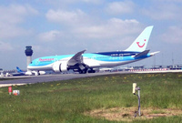 Thomson_dreamliner_1