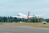 BA_787_takeoff_1