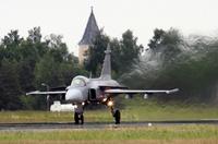 SAAB_Gripen_takeoff_1