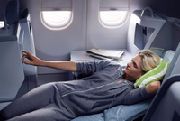 Finnair-business-woman-resting-02