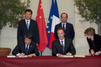 Airbus_and_China_partnership_signature_1
