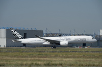 A350_XWB_MSN005_take_off_1
