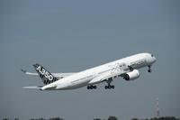A350_XWB_MSN005_take_off_2