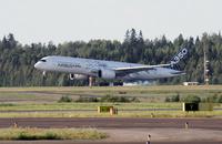 A350_HEL_LDG