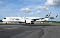 A350_HEL_taxi_3