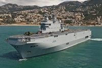 Mistral_Dixmude_net_Wikimedia_Simon Ghesquiere_Marine Nationale