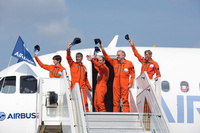 A320neo_first_flight_crew_after_landing