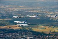 A350XWB_Formation_Flight_-_Low_pass_-_01