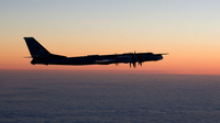 Tupolev+Tu-95+night_ilmavoiamt