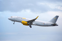 Vueling_A320_Vueling_take_off