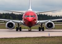 Norwegian_737_close