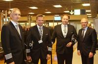 A350_HEL_ARR_crew