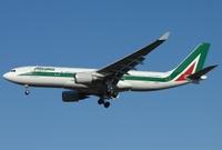 Airbus_A330_Alitalia_Aldo_Bidini_wikimedia
