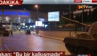 Kapinallisten Leopard 1 -panssarivaunu Istanbulin Atatürk-lentoasemalla. Kuva: NTV Turkey / Wikimedia