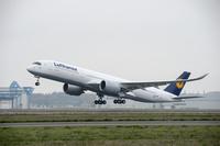 LH_A350_FF_Airbus