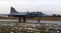 Gripen_e_taxi_1216_Saab_youtube