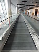 Helsinki_Airport_SouthWing_walkway