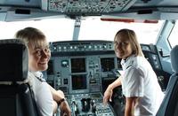 Finnair_naispilots_MarjojaCamilla