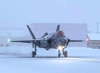 F35_icy_dragchute_lockheedmartin_1117