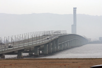 Kansai_airport_bridge_1