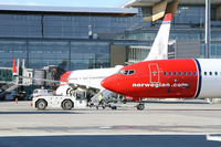 Norwegian_737_nose_1
