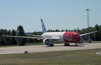Norwegian_Dreamliner_glider_1