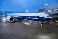 Boeing777X_gate