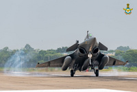 IAF_Rafale_LDG